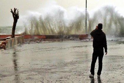 Trakya'da fırtına alarmı: İzinler iptal