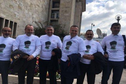 Tüm Yerel-Sen Atatürk tişörtleri ile Meclis'e girdi