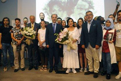 Türkan Şoray ve Ediz Hun, sinema öğrencileriyle buluştu