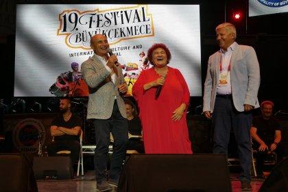 Uluslararası Büyükçekmece Kültür ve Sanat Festivali, Selda Bağcan'ı ağırladı