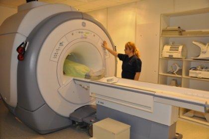 Uzmanlar MR ve bilgisayarlı tomografinin aşırı kullanımıyla ilgili uyarıyor: Kanser vakaları artacak, radyoloji üniteleri faciaya dönüşecek