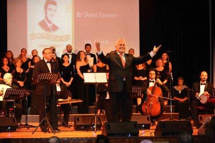 Zeki Müren, Karşıyaka'da şarkılarıyla anıldı