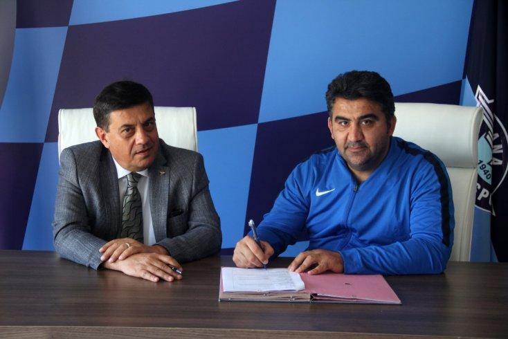 Adana Demirspor, Ümit Özat ile 1 yıllık yeni sözleşme yapıldı