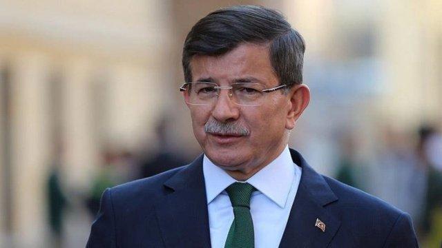 Ahmet Davutoğlu: Cumhurbaşkanının taraf olarak sert polemiklere girmesi toplumun en az yarısı ile psikolojik bir kopuş yaşamasına yol açmaktadır