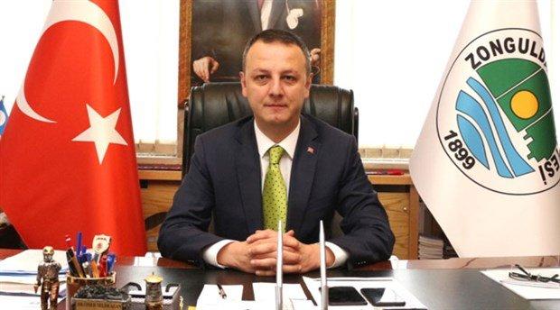 AKP'li belediye başkanı karton toplamayı yasakladı