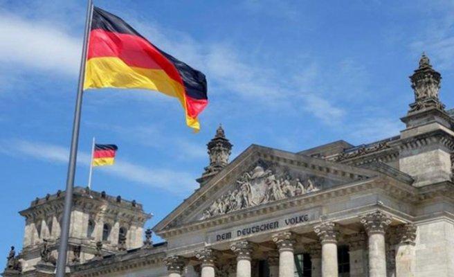 Almanya'da PKK yanlısı yayın kuruluşları kapatıldı