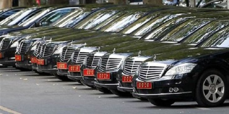 Araç saltanatına devam: Saray'a 26 araç daha