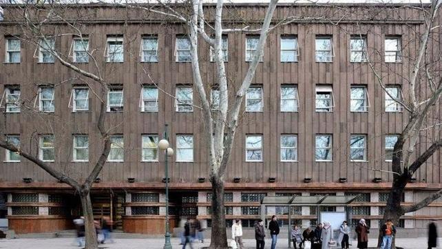 Atatürk döneminde inşa edilen tarihi binası 'yeni yapılan caminin alanına girmesi' gerekçesiyle yıkılan İller Bankası kiraya çıktı!
