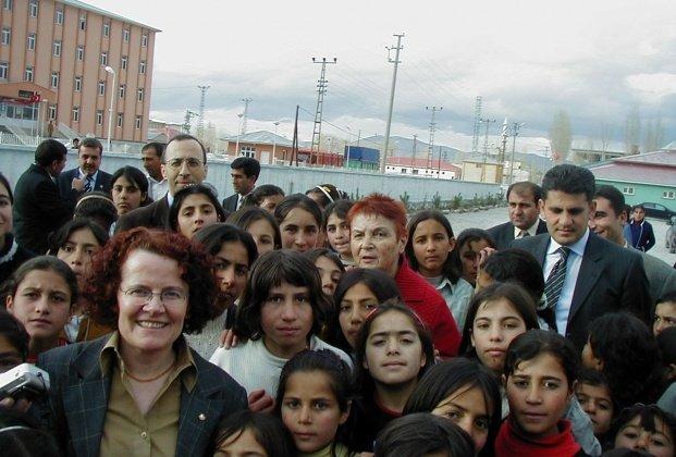 ÇYDD Başkanı Ayşe Yüksel: 7 yıl korumayla gezdim, ölüm tehditleri aldım
