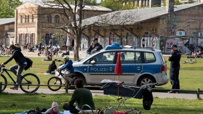Berlin'de park müdürlüğü yapan Türk'ten akıllara zarar uygulama: Parkta uyuşturucu satıcıları için özel alanlar belirledi