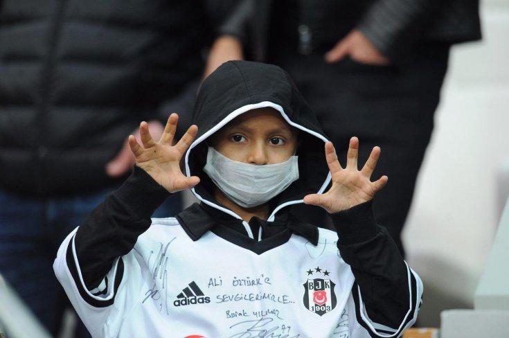 Beşiktaş'ın 7 yaşındaki taraftarı yakalandığı hastalığa yenik düştü
