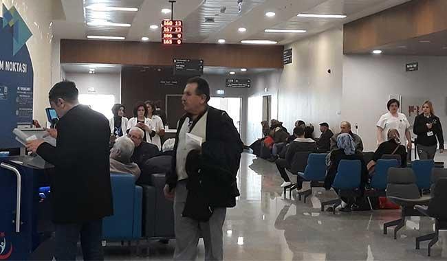 Bilkent Şehir Hastanesi'nin ilk günü: EKG çekilecek kâğıt yok, tetkik sonuçları çıkmadı