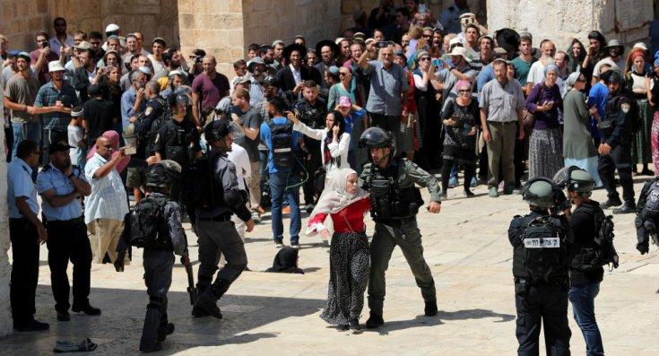 Bin 729 fanatik Yahudi, İsrail polisi eşliğinde Mescid-i Aksa'ya baskın düzenledi