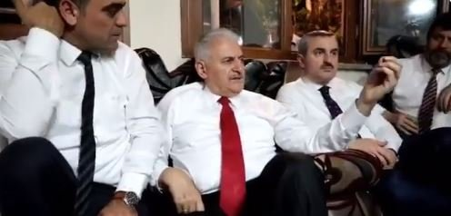 Binali Yıldırım bu defa da bazı seçmenlere büyükşehir pusulası verilmediğini iddia etti: Bakıyor ki AK Parti'ye oy verecek gibi...!