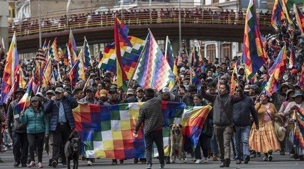 Bolivya'da darbeyi protesto eden halka polis saldırdı: 5 ölü