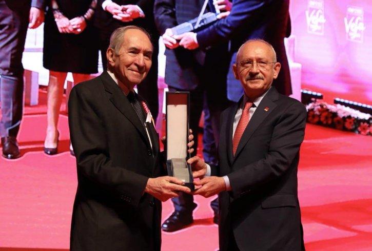 """CHP Lideri Kemal Kılıçdaroğlu, """"CHP Beylikdüzü İlçe Örgütü 4. Vefa Ödülleri Töreni""""ne katıldı"""