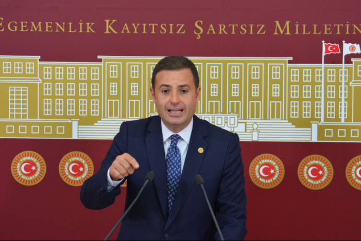 CHP'li Akın, Balıkesir'de sülfirik asitli suyun orman yangınlarında kullanılacağı iddiasını Meclis'e taşıdı