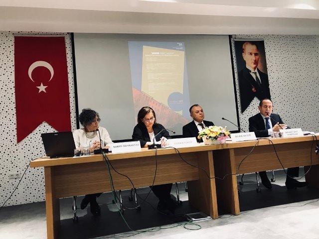 CHP'li Hamzaçebi 'Saraçoğlu Mahallesi Geleceğini Arıyor' paneline katıldı