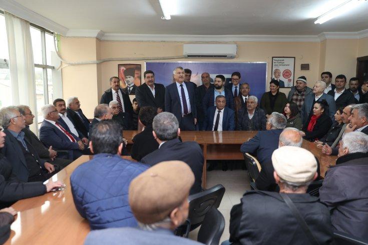 CHP'nin Adana Büyükşehir Belediye Başkan Adayı Karalar, Kozan'da halka bir araya geldi