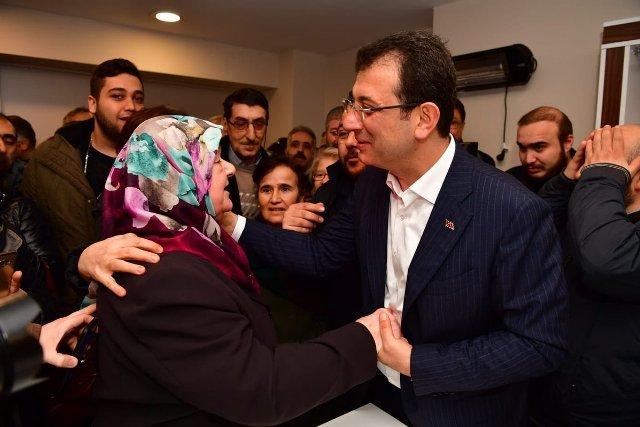 CHP'nin İstanbul adayı Ekrem İmamoğlu, Fatih'te bir dizi ziyarette bulundu