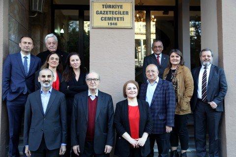 Cumhuriyet çalışanlarının cezaevine girişine 1. sayfasında yer vermeyen Hürriyet Genel Yayın Yönetmeni Vahap Munyar TGC yönetimine girdi
