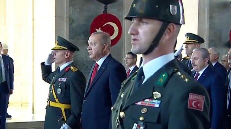 Erdoğan Anıtkabir'de: Barış Pınarı Harekatı ile kararlılığımızı bütün dünyaya gösterdik...