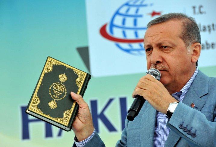 Dini siyasete alet etme' listesi: Erdoğan Allah'ın tüm vasıflarını üstünde toplayan bir lider, Erdoğan'a dokunmak bile ibadettir...