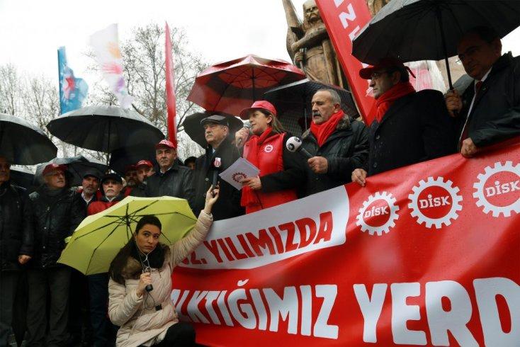 DİSK, 52. yılını kutladı: 'İşçi sınıfı için yeniden ayağa kalkmanın vaktidir!'