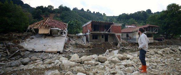 Düzce'de selden etkilenen 66 bina boşaltılacak