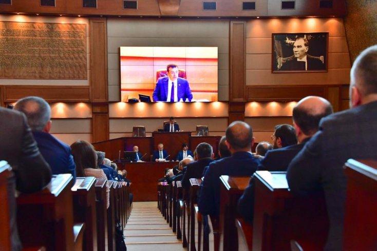 Ekrem İmamoğlu, İBB Meclisi'nin ilk toplantısında çalışanların haklarıyla ilgili teklifi gündeme almak istedi, AKP reddetti