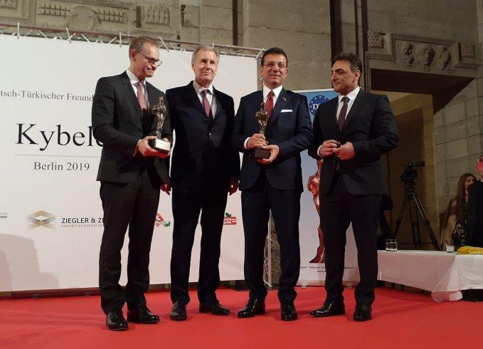 Ekrem İmamoğlu'na Berlin'de onur ödülü