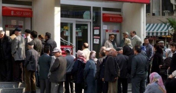 Emeklilerden 'bayram ikramiyesi arttırılsın' talebi