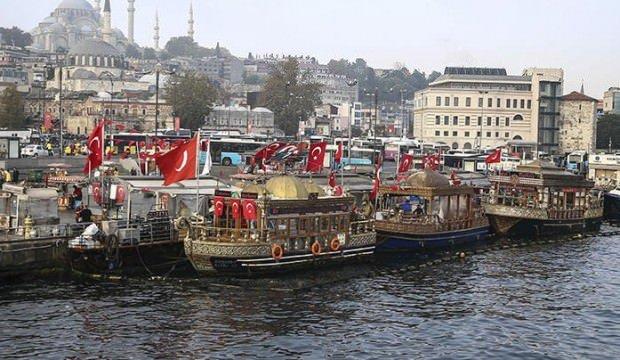 Eminönü'ndeki balık-ekmek tekneleriyle ilgili yürütmeyi durdurma kararı