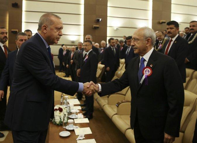 Erdoğan ile Kılıçdaroğlu, AYM töreninde tokalaştı!