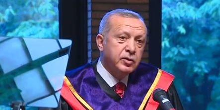 Erdoğan'a Japonya'da fahri doktora verildi