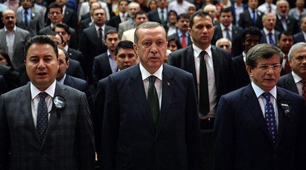 Erdoğan'ın Davutoğlu ve Babacan'a yönelik açıklamaları AKP'de tartışma yarattı