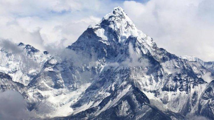 Everest'te buzlar eridi, ölen dağcıların kayıp bedenleri ortaya çıktı