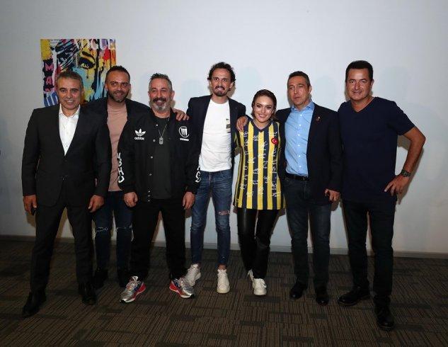 Fener Ol kampanyasına Fenerbahçeliliğiyle bilinen Acun Ilıcalı ve komedyen Cem Yılmaz'dan büyük destek