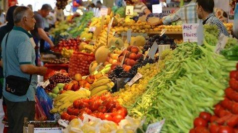 Gıda fiyatları son bir yılda yüzde 38 arttı