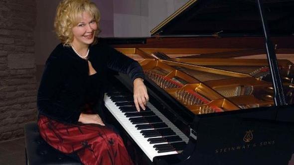 Gülsin Onay'ın beklenen albümü ''Rachmaninoff & Grieg'' çıktı