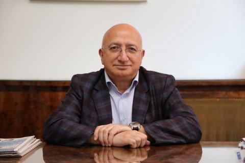 Hürriyet gazetesi Genel Yayın Yönetmeni Vahap Munyar istifa etti, istifasını Hürriyet'e noter yoluyla gönderdi