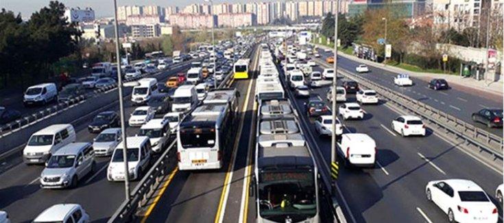 İBB metrobüste yoğunluğu azaltmak için bir dizi çalışma başlattı