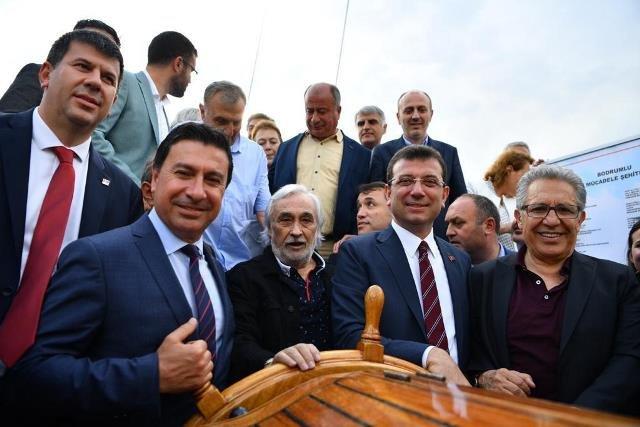İmamoğlu, Bodrum'dan yola çıkan ve İstanbul üzerinden Samsun'a gidecek olan Türkiye'nin ilk yelkenli okul gemisi STS Bodrum'u ziyaret etti