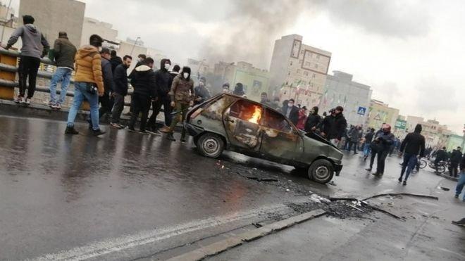 İran protestolarda 12 kişinin öldüğünü açıkladı, göstericilere destek veren ABD'yi kınadı
