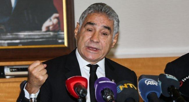 İsmail Ünal Beşiktaş başkan adaylığından çekildi