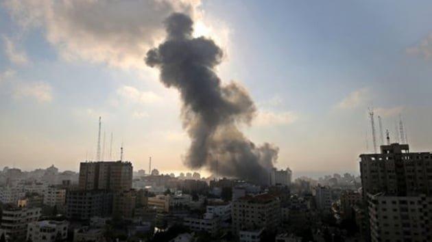 İsrail ordusu, Gazze'de 3 noktaya saldırı düzenledi