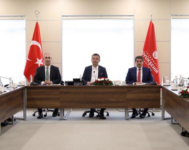İstanbul'un belediye başkanları Ekrem İmamoğlu'nun çağrısıyla 'ortak masa'da buluştu