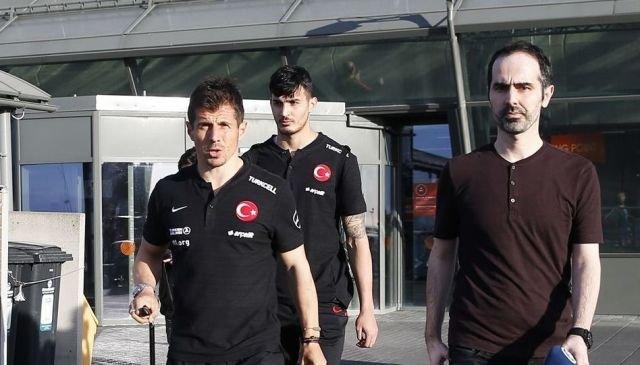 İzlanda Futbol Federasyonu'ndan Türk Milli Takımı'nın havalimanında bekletilmesi ile ilgili açıklama