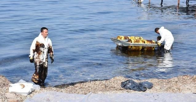 """İzmir Aliağa'dan bir petrol sızıntısı haberi daha"""