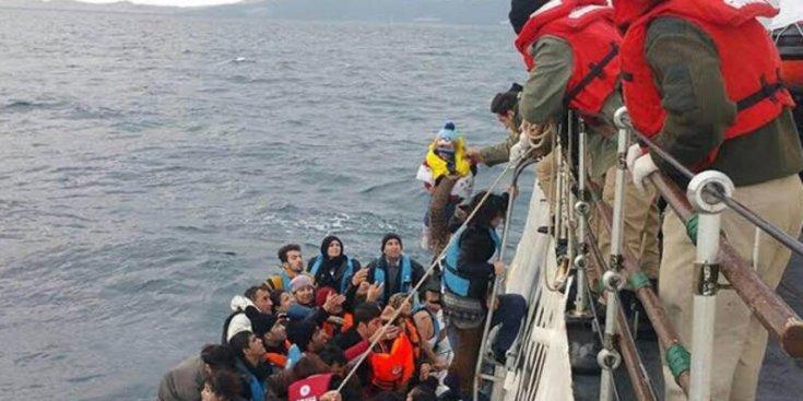İzmir'de 216 göçmen yakalandı